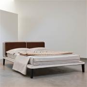 Ліжко Нейл